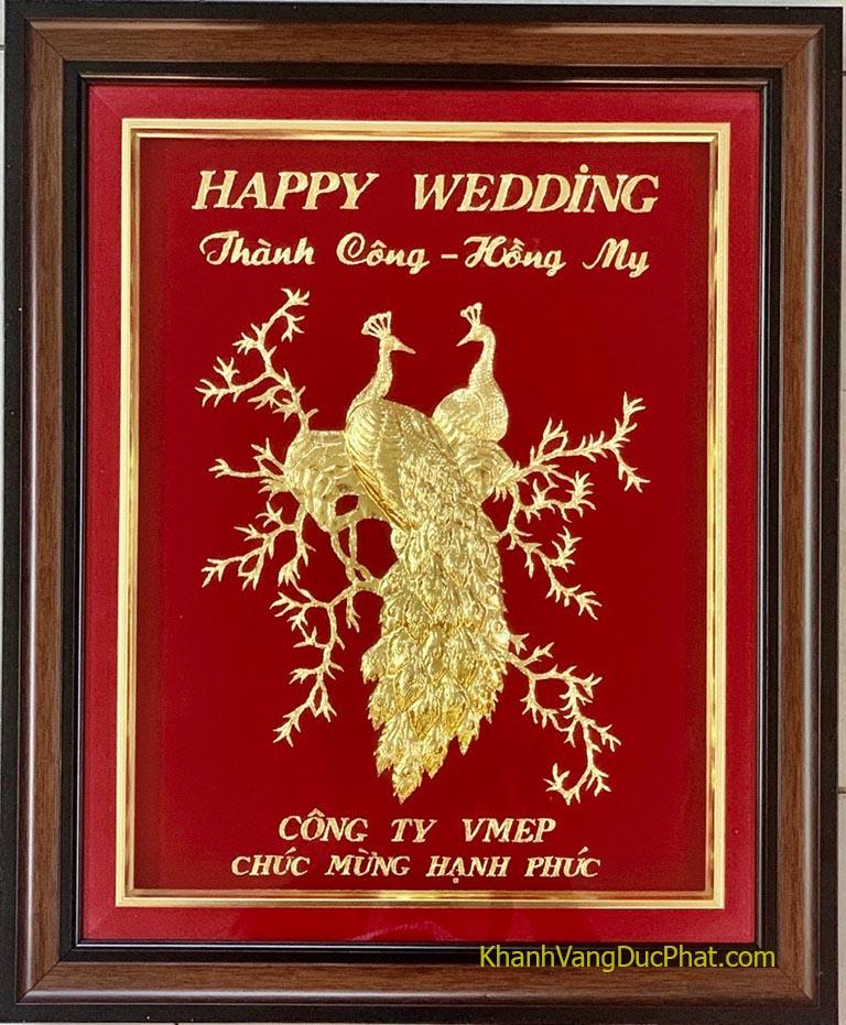 khánh vàng mừng đám cưới
